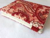 charmed Liebling small red paisley bifold wallet