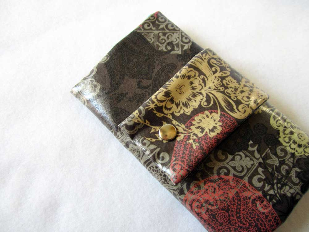 charmed Liebling trifold wallet laminated cotton