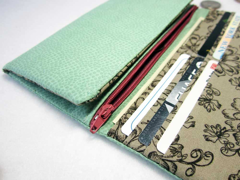 charmed Liebling mint and pink wallet